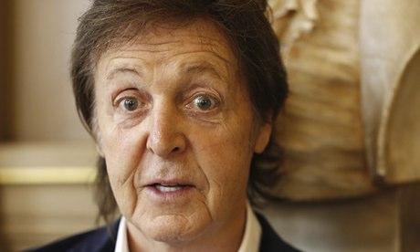 Stella-McCartney-show-Spr-010.jpg