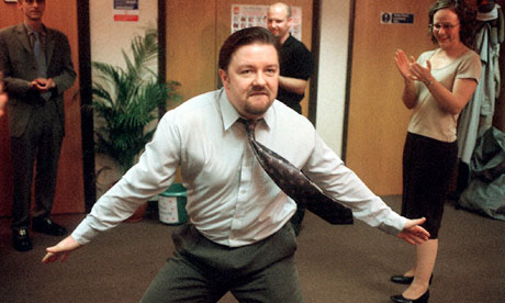 David Brent (Ricky Gervais) dancing