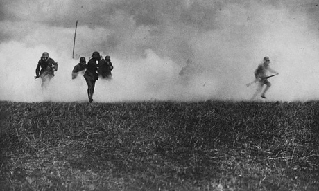 German soliders advance through poison gas cloud, first world war
