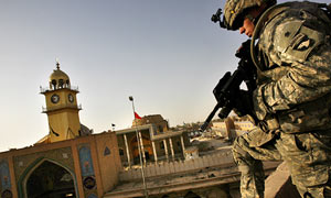 Soldier on Iraq rooftop