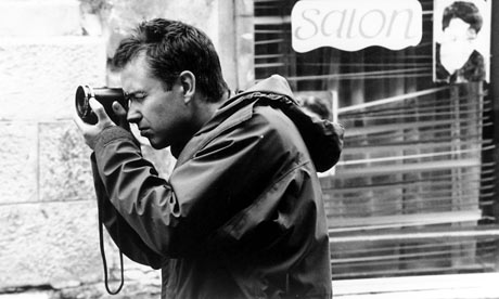 Michael Winterbottom on set