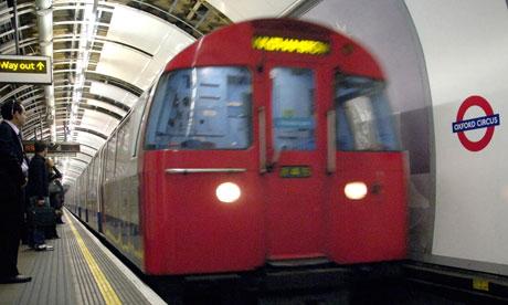 London Underground Signalling. London Underground platform