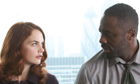 Luther, une série policière qui vous prend aux tripes Ruth-Wilson-and-Idris-Elb-006