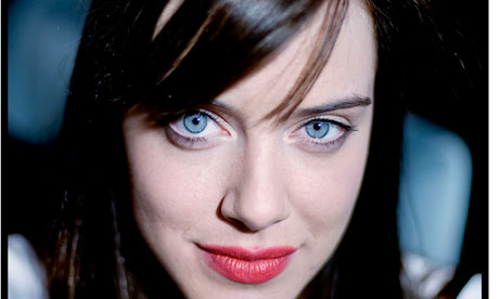 There's a difference between being enthusiastic and desperate :    Michelle Ryan, Bionic Woman Star