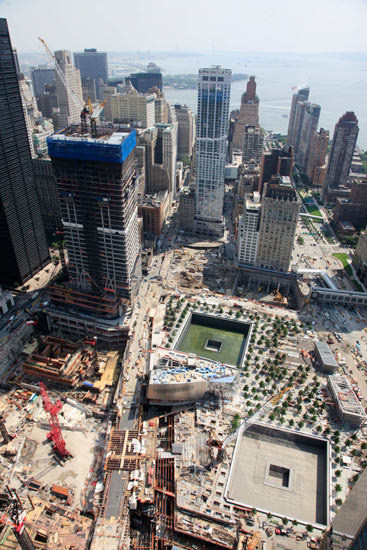 Work under way at the world trade centre site in new york july 2011