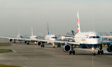 Planes queuing for takeoff at Heathrow airport