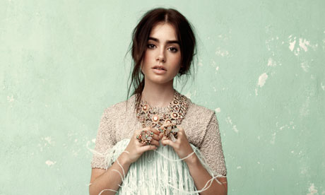 http://static.guim.co.uk/sys-images/Observer/Pix/pictures/2012/4/4/1333534701615/Lily-Collins-008.jpg