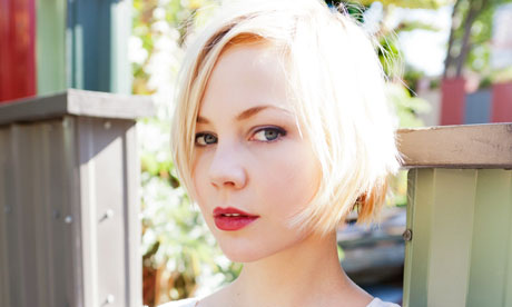 Adelaide Clemens - 2017 Regular Blond hair & casual hair style. Current length:  short hair (chin length)