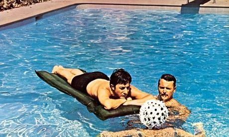 Dustin Hoffman in the pool in The Graduate