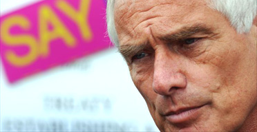Robert Kilroy-Silk campaigning for Ukip