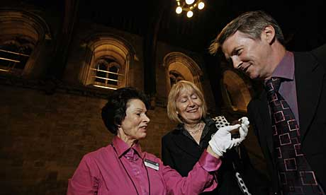Jenny Clark with noctule bat, Madeline Moon MP and Huw Irranca-Davies MP, minister for sustainable development in Westminster Hall, home to moths and bats