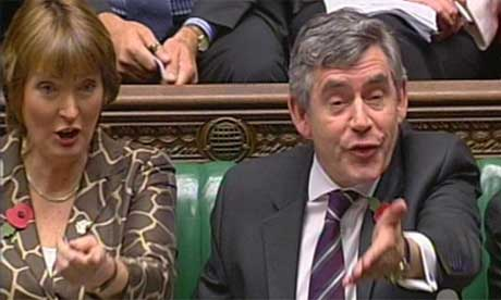 Harriet Harman and Gordon Brown react to Tory criticism during prime minister's questions