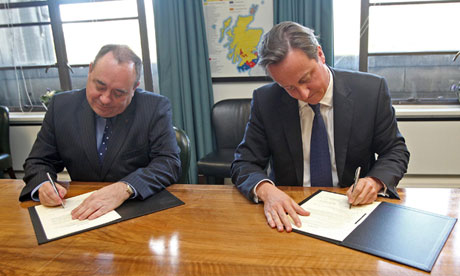 Alex Salmond and David Cameron sign the referendum agreement