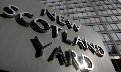 New-Scotland-yard-sign-010.jpg