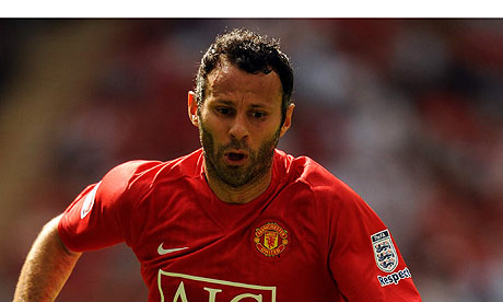 ryan giggs foto. Ryan Giggs played in the