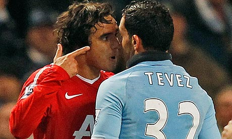 Rafael head to head with Carlos Tevez
