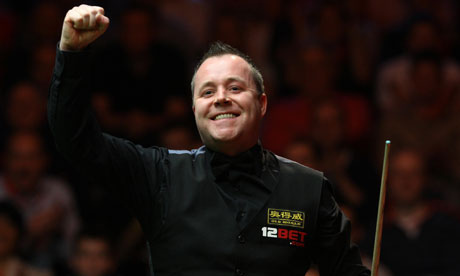 john higgins referee. John Higgins punches the air