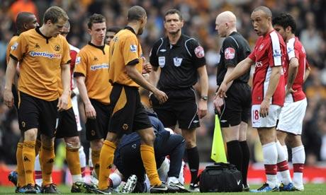 VIDEO: Was Wolves Karl Henry deservedly sent off against Arsenal?