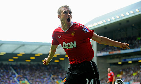 Darren Fletcher celebrates scoring for Manchester United against Everton on Saturday