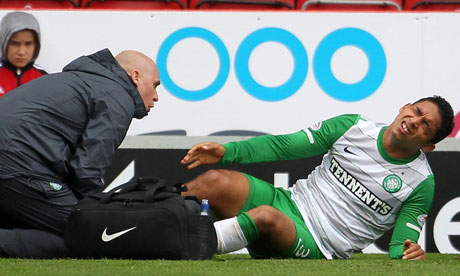 Celtic's Emilio Izaguirre receives treatment