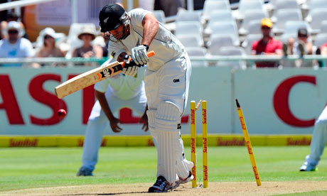 New Zealand's batsman Doug Bracewell is