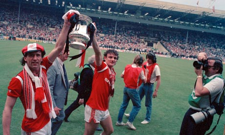Remembering the 1985 FA Cup final: Manchester United v Everton   Sport   The Guardian