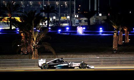 Mercedes driver Lewis Hamilton said visibility at the Bahrain Grand Prix circuit was perfect