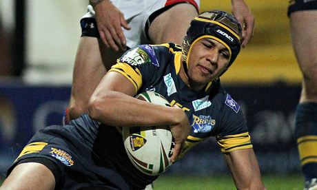 Ben Jones-Bishop, who was out of favour at Leeds Rhinos, has signed a three-year deal to move to Sal
