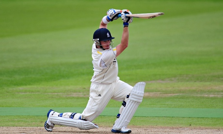 Ian Bell signs three-year contract extension with Warwickshire