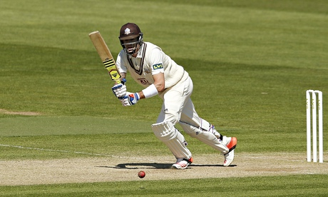 Surrey make strong start against Essex but Kevin Pietersen out for only 32