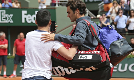 French Open court invader disturbs Roger Federer's post-win glow