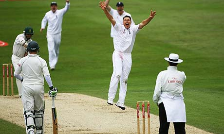 Darren Pattinson celebrates the wicket of Ashwell Prince