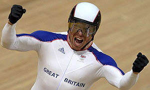 Chris Hoy wins the men's sprint title