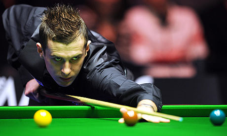 mark selby. Mark Selby lines up a shot at