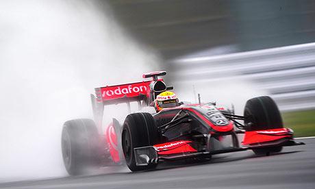 [Imagen: Lewis-Hamilton-on-a-pract-001.jpg]