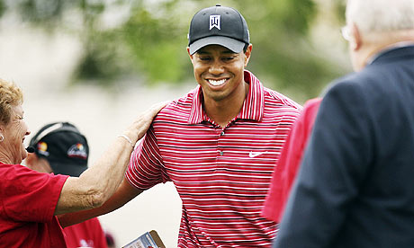 Tiger Woods shows touch of old master
