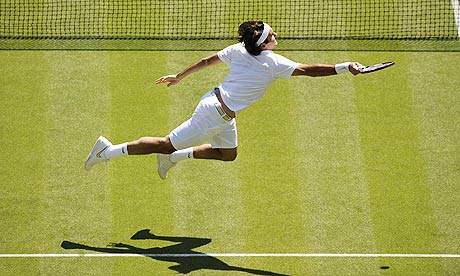 LECCIONES DE VUELO MAESTRO. Roger-Federer-at-Wimbledo-002