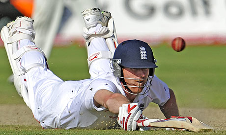 England batsman Paul Collingwood dives and beats home the Australian throw