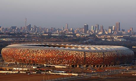 افتراضي ..{ المُعـادلة بسيطة : مـتعة + روح = مباراة جُنونيه ! [ تقديم هولندا × الدنمارك ] }..  Soccer-City-Johannesburg-001