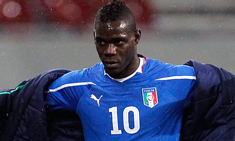 [ خبر ] بالوتيلي,,على رأس قائمة الإنتقالات Mario-Balotelli-was-