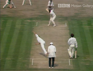 Viv Richards sets himself to strike
