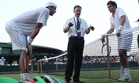 http://static.guim.co.uk/sys-images/Sport/Pix/pictures/2010/6/23/1277330052238/Mahut-Isner-006.jpg