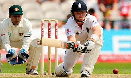 Ian Bell prepares to sweep