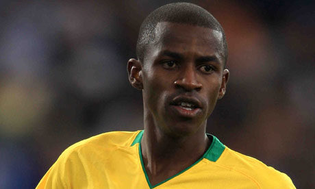 http://static.guim.co.uk/sys-images/Sport/Pix/pictures/2010/8/12/1281646826396/ramires-006.jpg