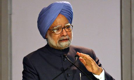 Indian Prime Minister Manmohan Singh will hold talks with Commonwealth Games chief Mike Fennell.