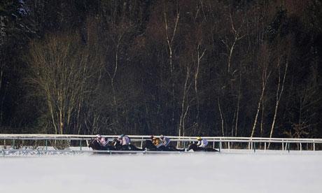 Horse Racing - Lingfield Racecourse