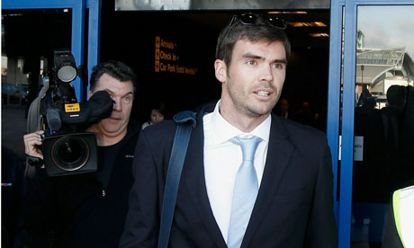 Jimmy Anderson Returns to Manchester After Ashes Victory