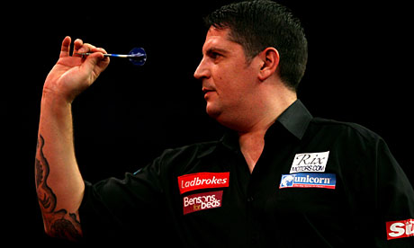 who won the darts tonight