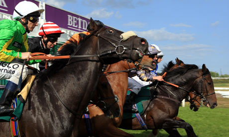 Horse Racing - Great Yarmouth Racecourse