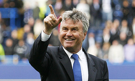 Guus Hiddink has been targeted by Chelsea